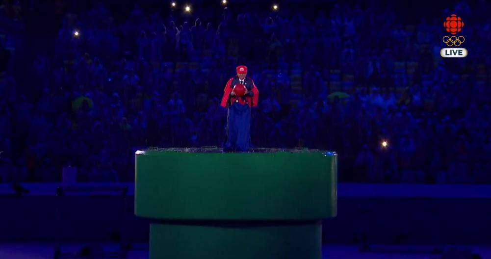 Japonya başbakanı Shinzo Abe, Rio 2016 kapanış töreninde Tokyo 2020 için Süper Mario kılığında