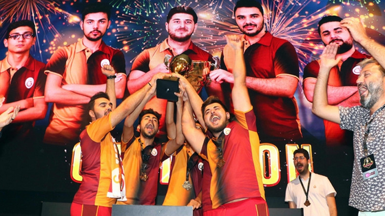 Zula International Cup Şampiyonu Galatasaray Espor Takimi