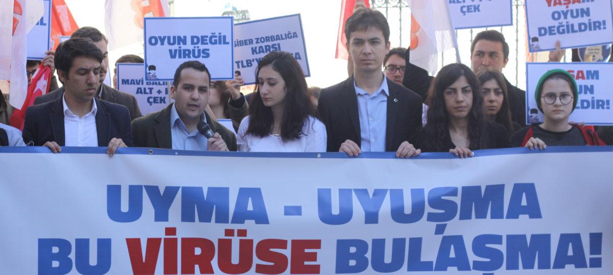 Türkiye Liseliler Birlii Mavi Balina Protesto